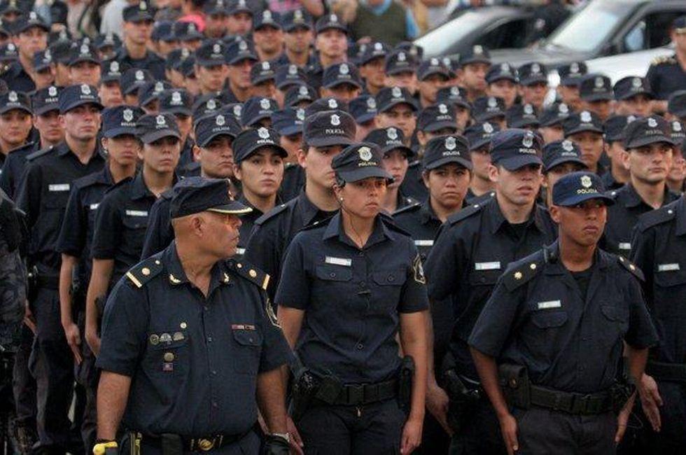 Ámbito Financiero - Harán exámenes toxicológicos a todos los efectivos de la Bonaerense