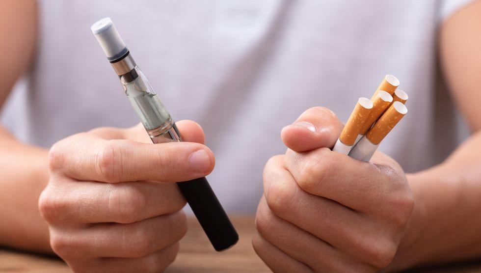 El fumar y vapear aumentan los riesgos con el covid